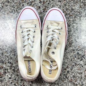 Sz 6 men's sz 8 women's white converse sneaker